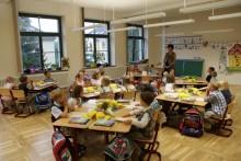 Die Klassenzimmer werden von den Lehrern und Erziehern liebevoll ausgestaltet.