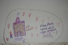 Wünsche und Gefühle unserer Schüler zur Rekonstruktion direkt auf der Tapete im Speiseraum und im Zimmer 12.